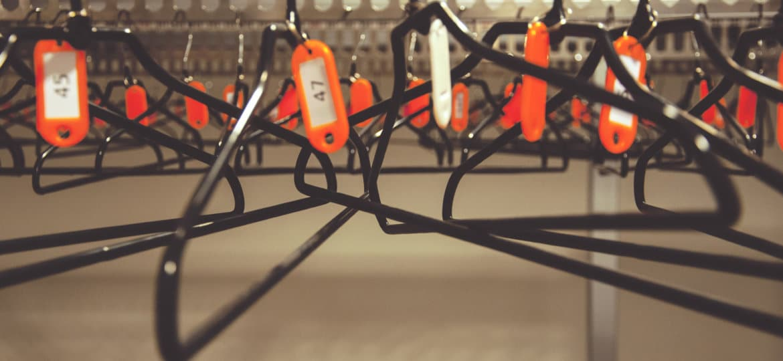 photodune-12248088-hangers-l